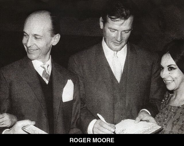 17 - ROGER MOORE