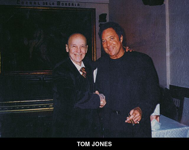 45 - TOM JONES